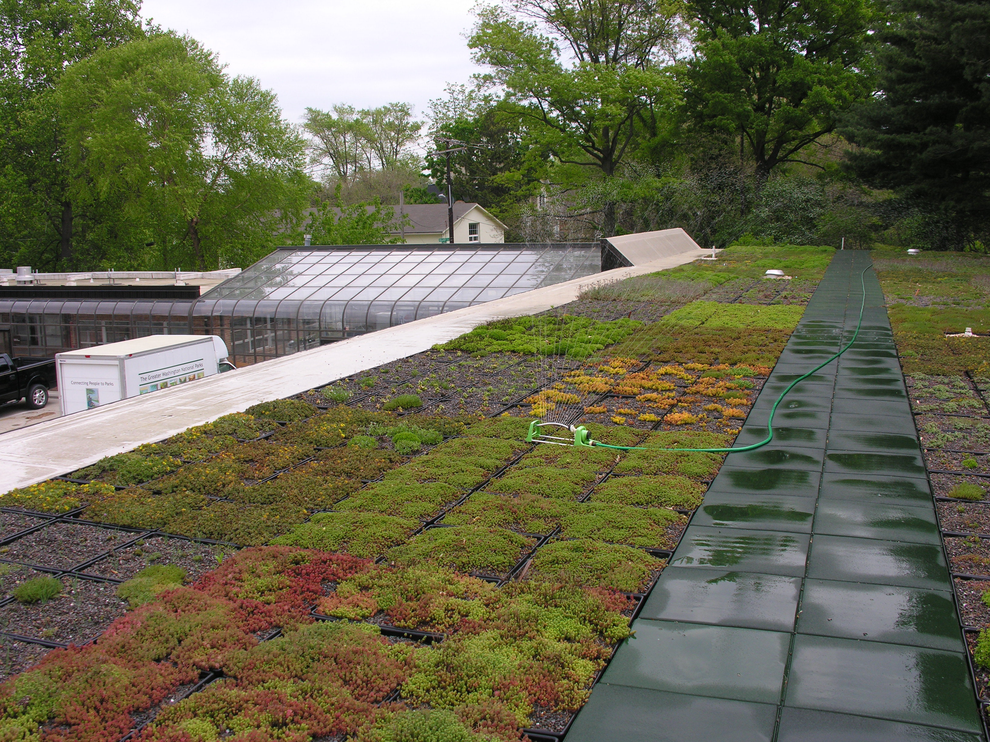 Green roof technology the natural history log for Green roof cost per square foot